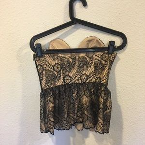 Luba by Hannah Payne Tops - NWT Luba 'Joann' embroidered top